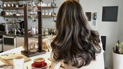 奪走目光這樣染!「冷萃咖啡」髮色搭奶油金 低調不失華麗