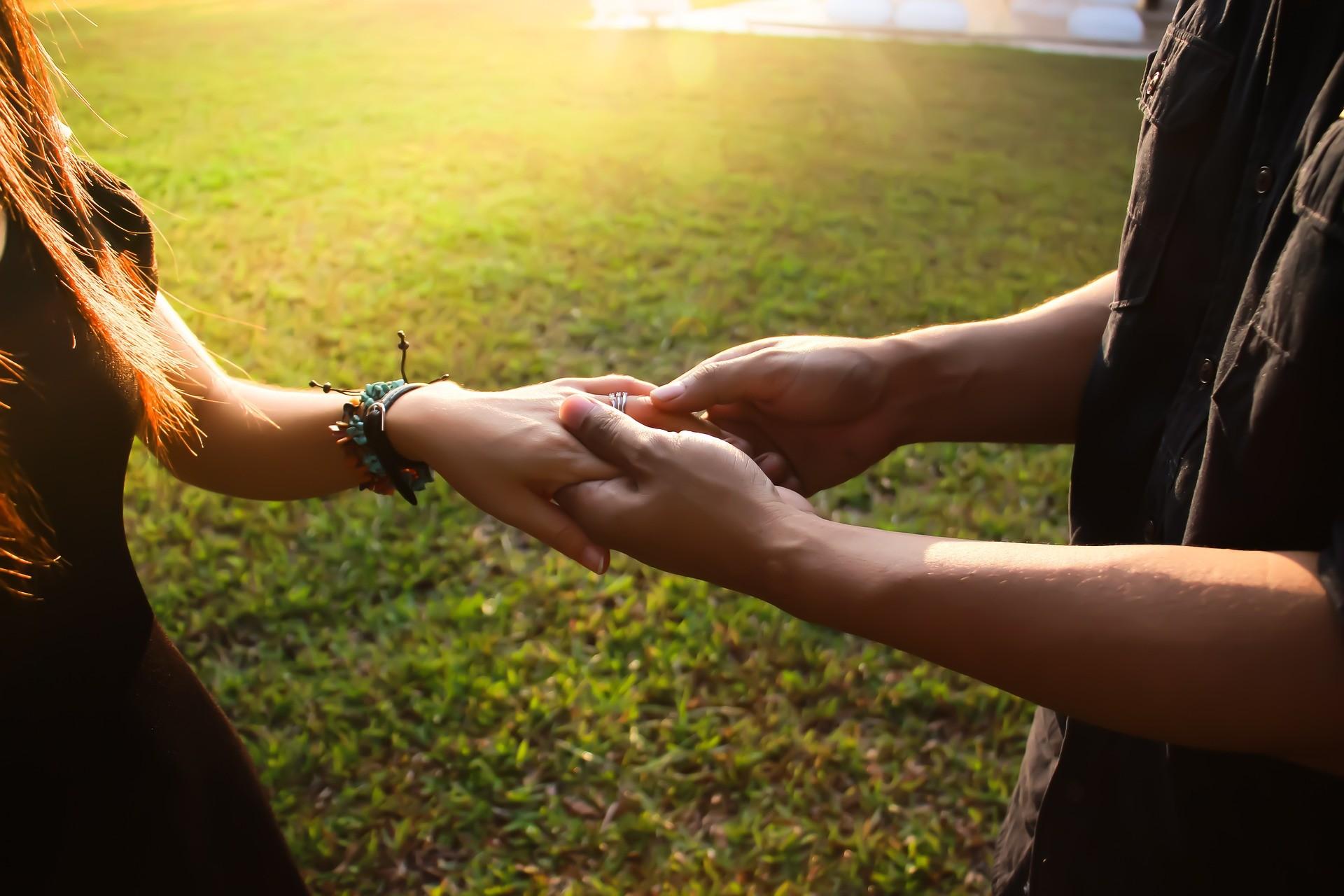 ▲情侶,男女,交往,感情,結婚,求婚。(圖/pixabay)