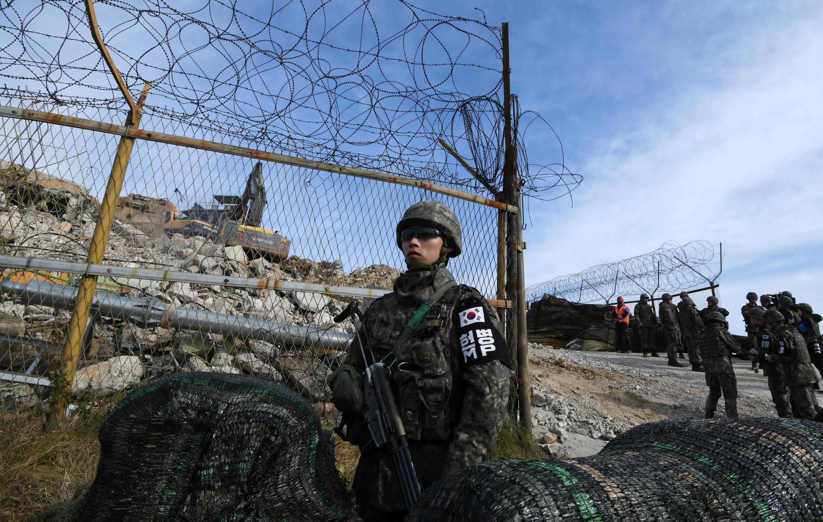 ▲▼ 南北韓開始拆除非軍事區哨所。(圖/路透社)