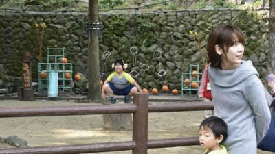 不爽吃人類飼料! 日本獼猴「集體翹班」動物園只好找人假扮