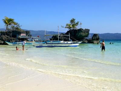長灘島封島半年 菲去年外國旅客達712萬人