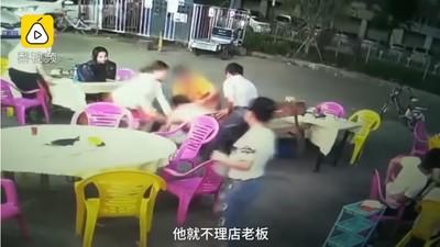 人妻遭半裸男襲胸 老闆救人反被罰