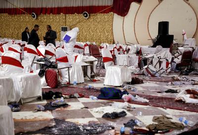 民眾拍下引爆瞬間 炸彈客坐在前面