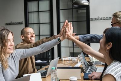 老闆到底賺多少?研究指出:公開老闆薪資員工會更賣力,因為想幹掉他
