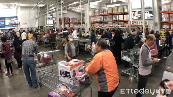 ▲  黑色星期五購物節,黑色購物節,好市多,Costco,消費,購物。(圖/記者謝婷婷攝)