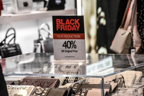 ▲▼黑色星期五購物節。(圖/路透)