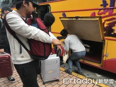 2500大學生返鄉投票列車開動
