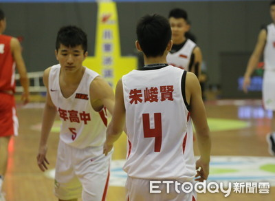朱峻賢飆21分 青年叩關12強