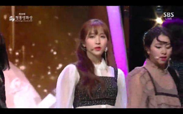 ▲▼TWICE青龍獎表演,台下大咖的反應。(圖/翻攝自SBS)