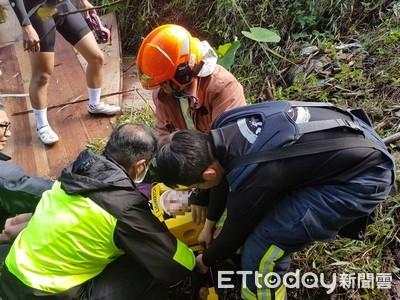 單車摔落邊坡 女騎士受傷送醫