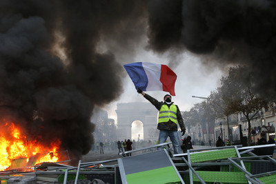 燒6棟樓112輛車!巴黎50年來最慘暴動