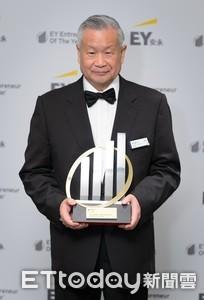 吳敏求獲企業家獎 明年出國比賽