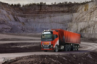 Volvo「無人卡車」自動搬運礦石