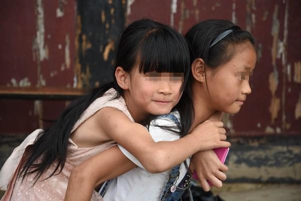 ▲新竹一對姊妹的父親在6年前過世,幸好一位甘友文先生伸出援手。(示意圖/pixabay,與本文當事人無關)