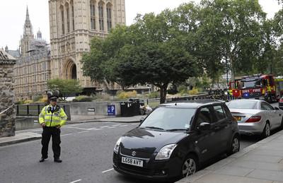 拒捕就開撞 倫敦警察暴力執法