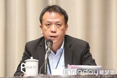 轉任府副秘書長 勞部次長發表畢業感言