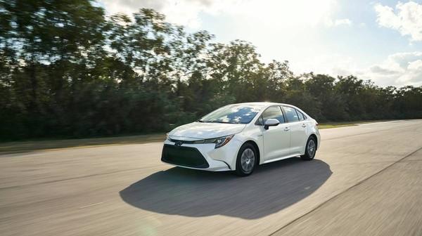 Toyota新神車altis「油電版」美國亮相 油耗省到超級神 Ettoday車雲 Ettoday新聞雲
