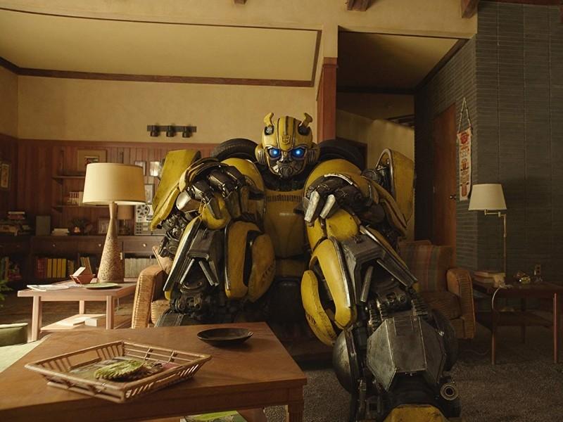 《大黃蜂》劇照。(圖/派拉蒙影業提供)