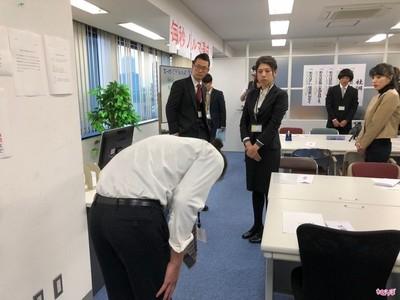 日本社畜有多慘?親身體驗就知 功勞被前輩搶、先打掃才准打卡