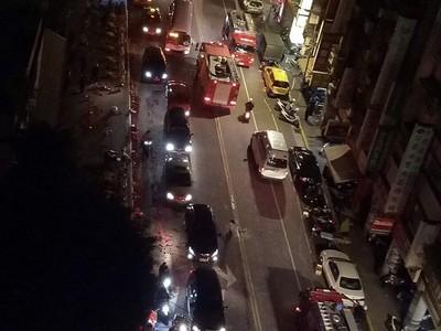 萬華遶境煙火竄 民宅9樓起火
