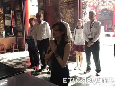 韓國瑜平安度選戰 最強女兒回廟還願