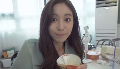 韓女模嚐台灣3人氣泡麵:我的菜