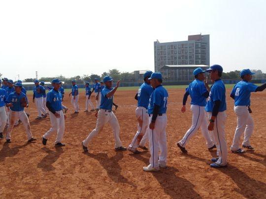 ▲107大專棒球聯賽,台東大學擊敗稻江學院,李聖裕猛打賞。(圖/大專體總提供)