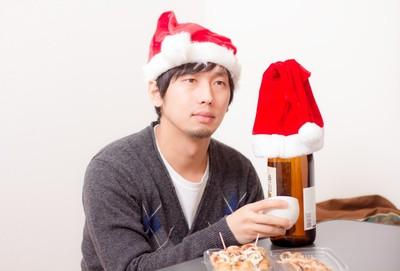 聖誕節限定調查「9成男女沒約會」 原因:想耍宅追劇配零食