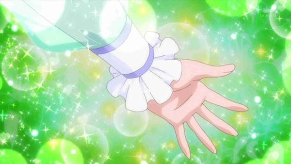 ▲安理變身「光之美少女」,手瞬間出現緞帶綁燈籠袖。(圖/翻攝自推特)