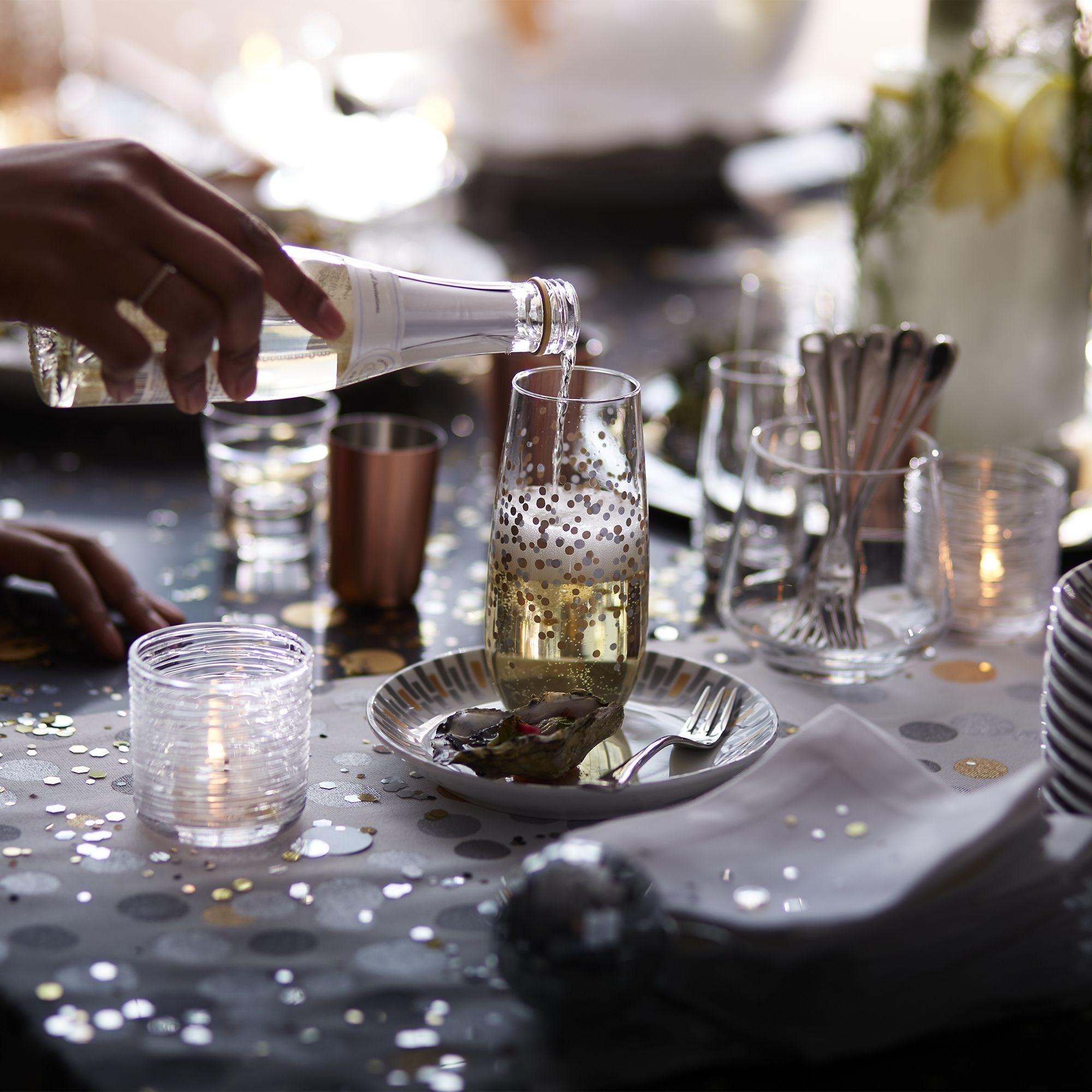 ▲Crate and Barrel Christmas Party Table。(圖/Crate and Barrel提供)