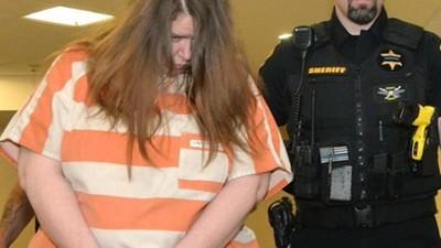 一屁股「坐爆男友胸腔」!百公斤胖女家暴殺人 法庭辯稱:不小心的