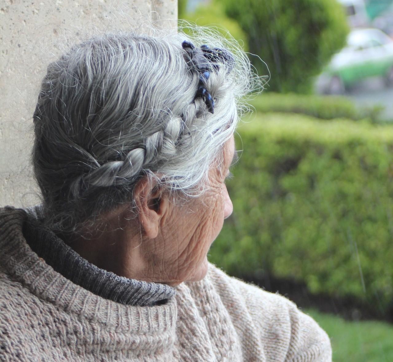 ▲▼ 婦人,奶奶,祖母,阿嬤。(圖/取自免費圖庫Pixabay)