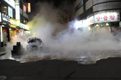 韓地下管線破50cm釀1死40燒燙傷