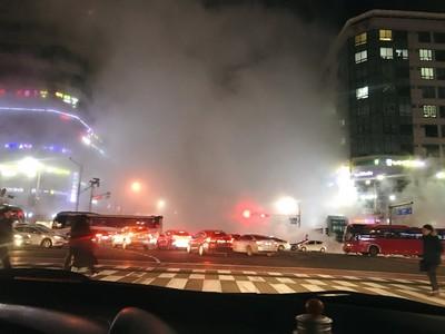 地下暖氣管線爆裂 6旬翁燒燙傷亡