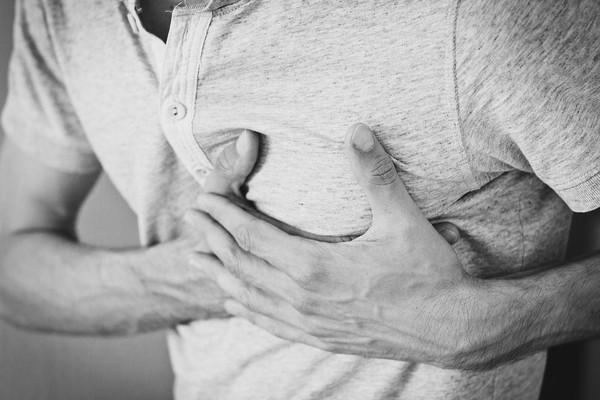乳癌不是女性專屬!40多歲壯男胸部硬一塊健檢揪乳癌 | ETtoday健
