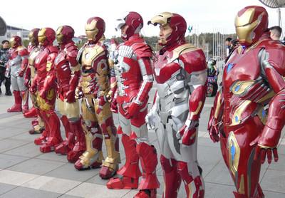 日本Cosplay鋼鐵人站一排超氣派