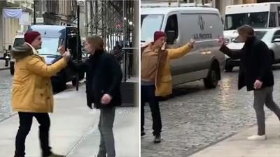 帥哥不罵○你娘! 街頭互射「中指機關槍」被封年度最有禮貌