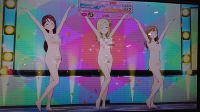 虛擬偶像《Lovelive!》街機全裸上陣