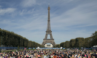 巴黎鐵塔關閉 法8.9萬警力戒備