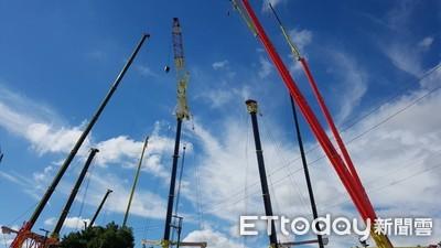挑戰70公尺高空 坐吊籠升高高