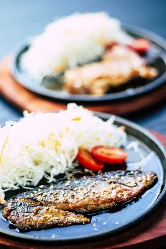 ▲日本,女性,食物,日本料理。(圖/unsplash)