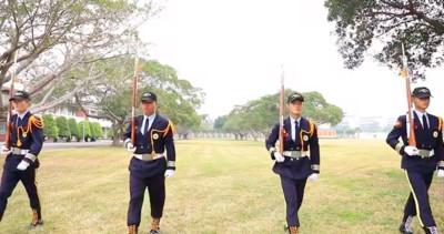 影/4男孩恆商儀隊畢業投入陸戰隊軍旅