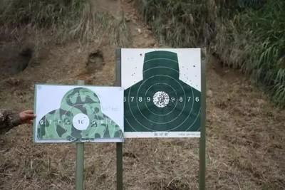解放軍新兵打靶「換新標靶」