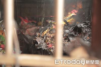 焊接不慎引火警 40年「骨董獅頭」毀了