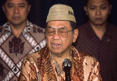 印尼前總統瓦希德被封「華人之父」