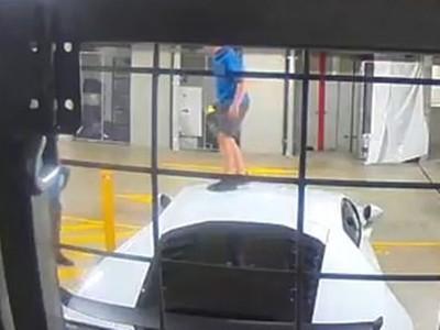 藍寶堅尼當彈簧床!屁孩踩踏別人跑車 車主看監視器冷回三個字