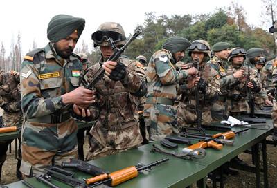 中印舉行「手拉手」軍演恢復互信
