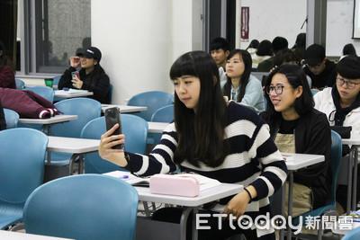 上課能滑手機!世新推「手機攝影學」