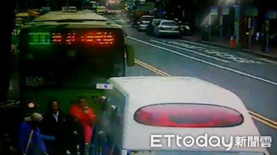 范可欽搭公車摔倒將提告 司機:正常停靠