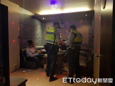 槍擊案頻傳 東港警威力掃蕩